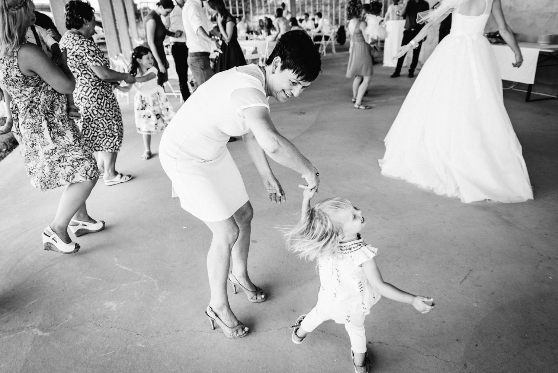 deti tancujú