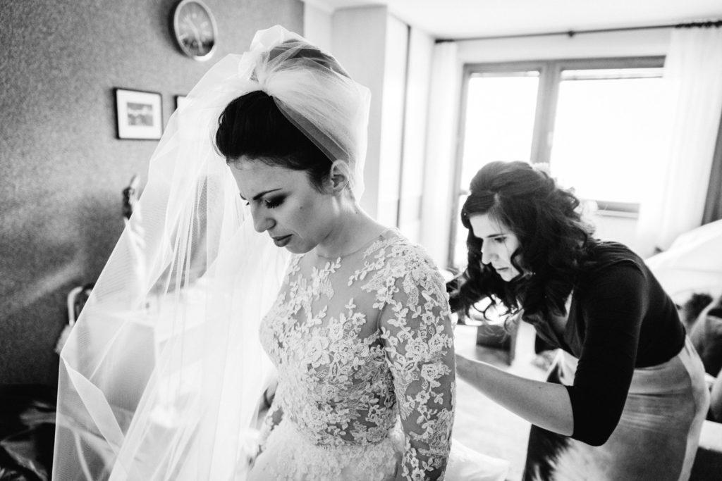 obliekanie svadobných šiat