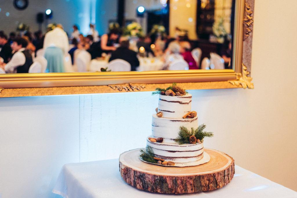 svadobná torta v zime